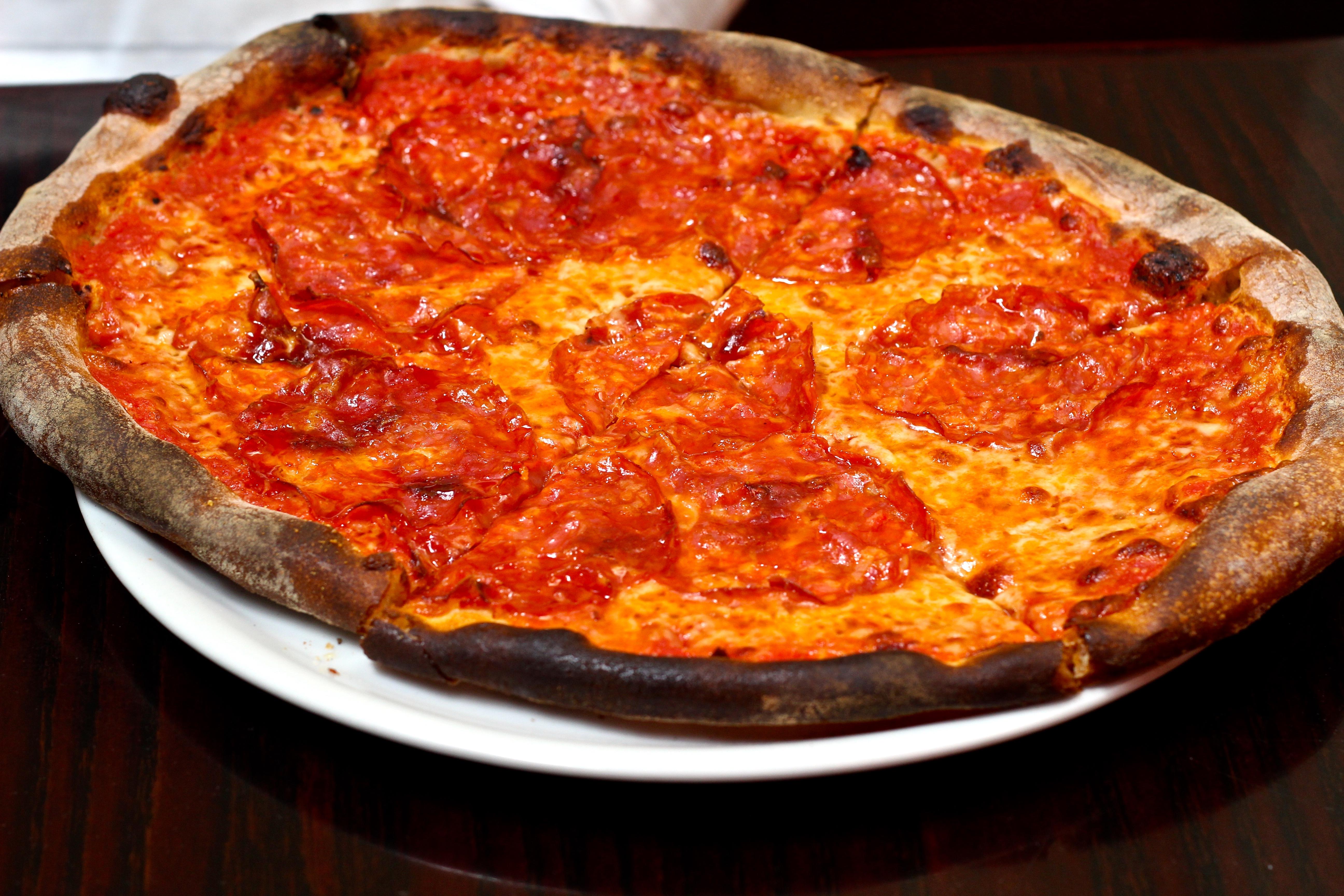unvegan pizza taglio 2